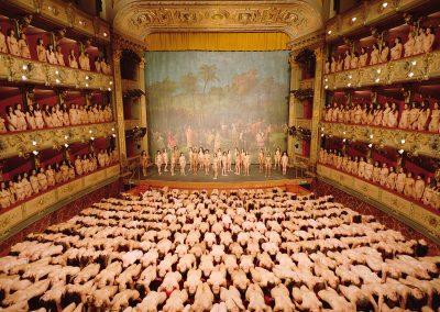 Espencer Tunick. Teatro Colón. Bogotá 2016. MAMBO