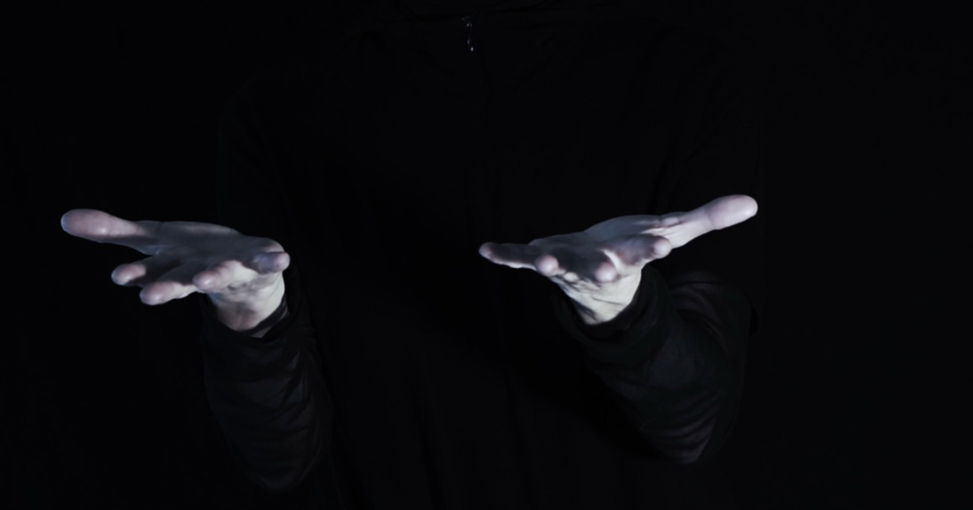 EL CUERPO QUE DEVIENE SONIDO Y LA RELACIÓN CON LA VOZ-PRESENCIA EN LA CREACIÓN